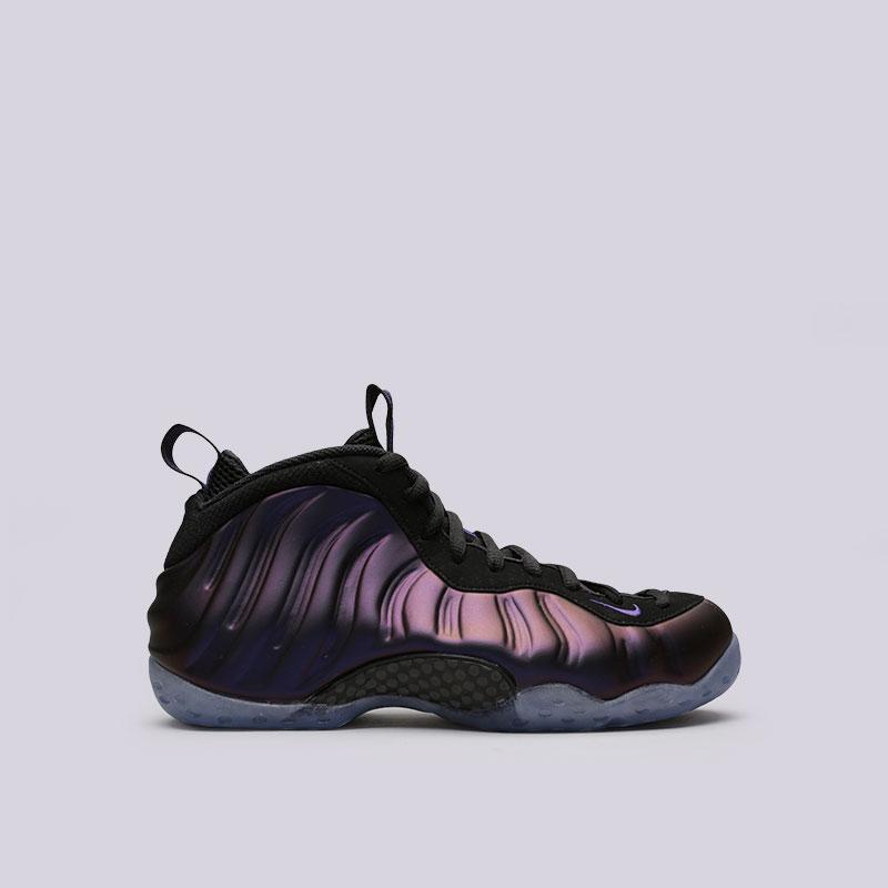 Кроссовки Nike Air Foamposite OneКроссовки lifestyle<br>Синтетика, текстиль, резина<br><br>Цвет: Чёрный, фиолетовый<br>Размеры US: 8;8.5;10;11;11.5<br>Пол: Мужской