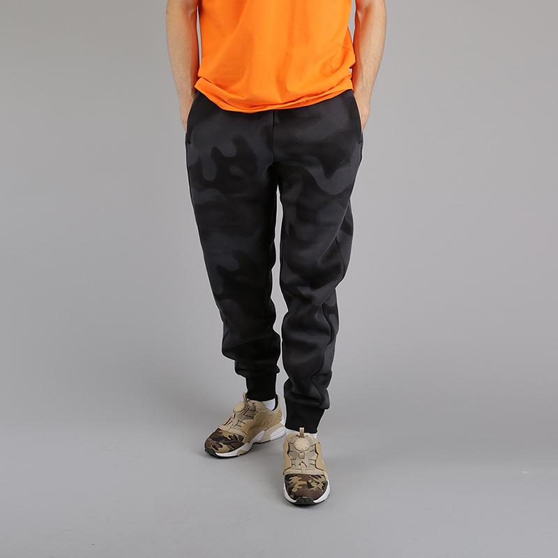 Брюки Jordan Lifestyle P51 Flight Fleece TrousersБрюки и джинсы<br>80% хлопок, 20% полиэстер<br><br>Цвет: Серый, черный<br>Размеры US: S;M;2XL<br>Пол: Мужской