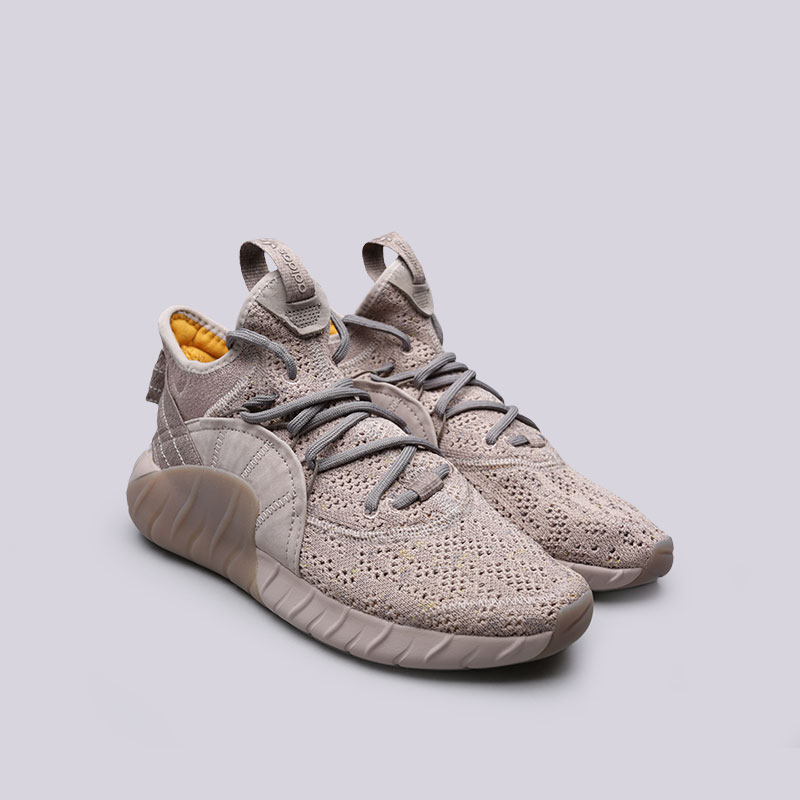 Купить мужские бежевые  кроссовки adidas tubular rise в магазинах Streetball изображение - 4 картинки