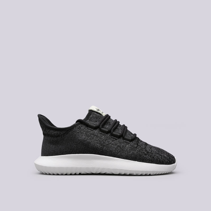Кроссовки adidas Tubular Shadow WКроссовки lifestyle<br>Текстиль, резина<br><br>Цвет: Черный<br>Размеры UK: 6.5<br>Пол: Женский