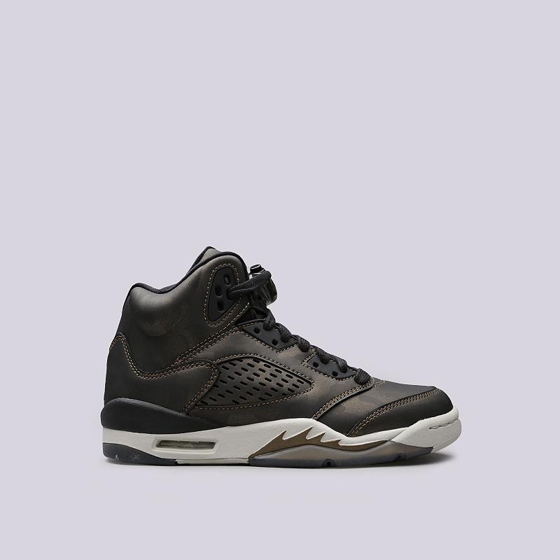 Кроссовки Jordan V Retro Prem HCКроссовки lifestyle<br>Кожа, синтетика, текстиль, резина<br><br>Цвет: Зеленый<br>Размеры US: 3.5Y;4.5Y<br>Пол: Детский