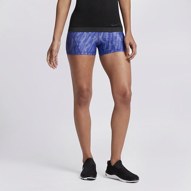 Шорты Nike Pro Hyper Cool Training ShortsШорты<br>80% полиэстер, 20% эластан<br><br>Цвет: Синий<br>Размеры US: XS<br>Пол: Женский