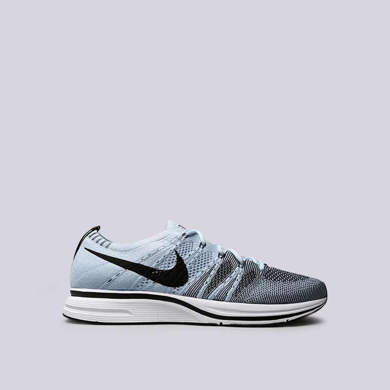 Кроссовки Nike Flyknit TrainerКроссовки lifestyle<br>Текстиль, резина, пластик<br><br>Цвет: Голубой<br>Размеры US: 6;6.5;7;7.5;8;8.5;9;9.5;10;10.5;11;11.5;12
