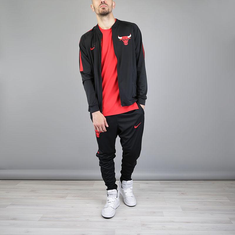 Спортивный Костюм Nike Сhi Dry NBA Track SuitКостюм<br>Полиэстер, эластан<br><br>Цвет: Черный<br>Размеры US: S;M;L;XL;2XL<br>Пол: Мужской