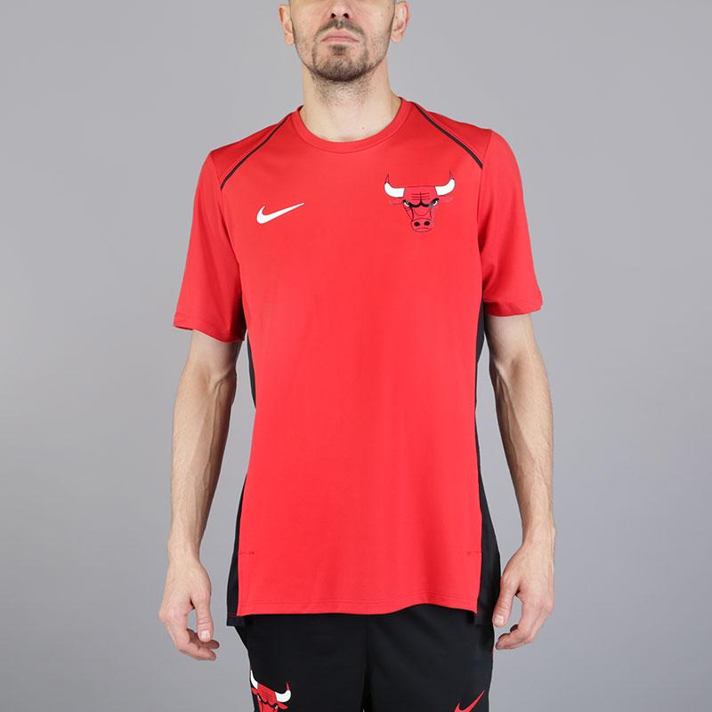 Футболка Nike Chi Hyper Elite TopФутболки<br>Полиэстер<br><br>Цвет: Красный<br>Размеры US: S;M;L;XL<br>Пол: Мужской