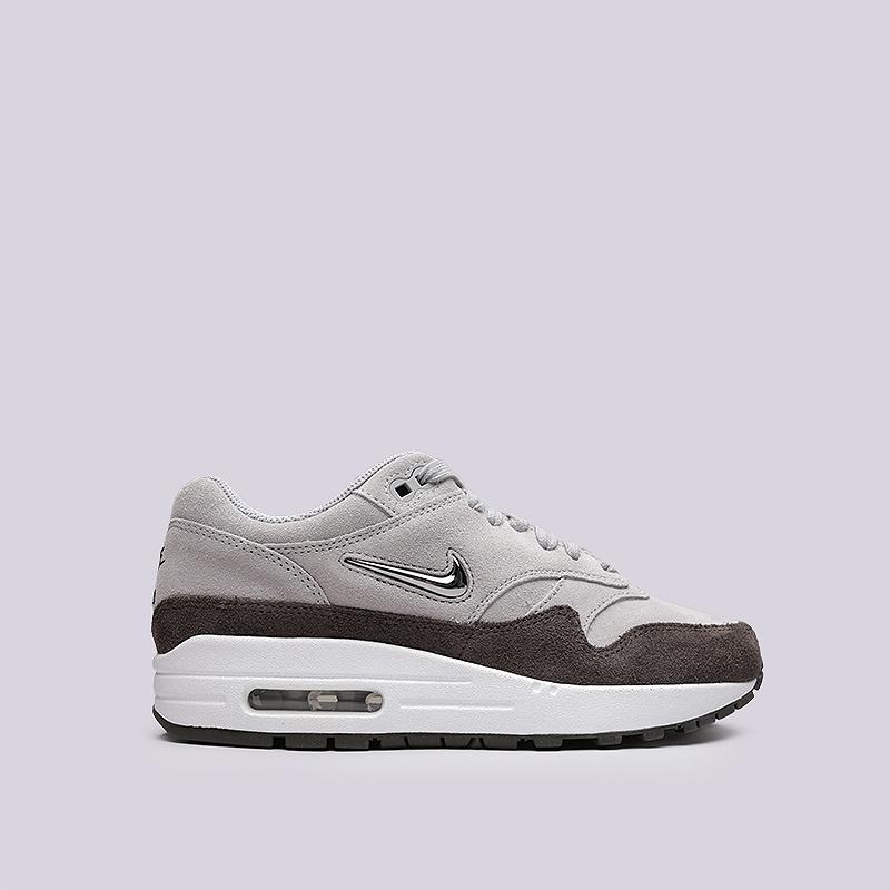 Кроссовки Nike WMNS Air Max 1 Premium SCКроссовки lifestyle<br>Кожа, текстиль, резина<br><br>Цвет: Серый, коричневый<br>Размеры US: 6;6.5;7;7.5;8;8.5;9<br>Пол: Женский
