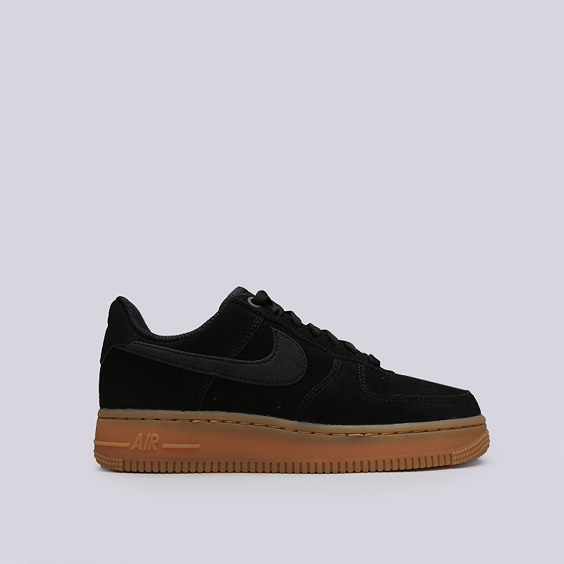 Кроссовки Nike WMNS Air Force 1 `07 SEКроссовки lifestyle<br>Кожа, текстиль, резина<br><br>Цвет: Черный, коричневый<br>Размеры US: 6;6.5;7.5;8;8.5;9<br>Пол: Женский