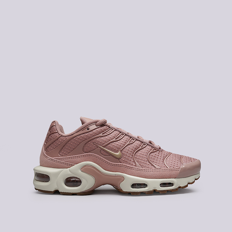 Кроссовки Nike WMNS Air Max PlusКроссовки lifestyle<br>Текстиль, резина, пластик<br><br>Цвет: Розовый<br>Размеры US: 6<br>Пол: Женский