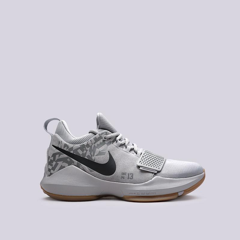 Кроссовки Nike PG 1Кроссовки баскетбольные<br>Кожа, текстиль, пластик, резина<br><br>Цвет: Серый<br>Размеры US: 7;8;8.5;9;9.5;10;10.5;11;11.5;12;12.5;13;13.5;14;15<br>Пол: Мужской