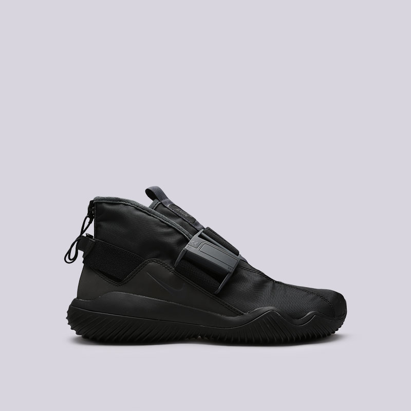 Кроссовки Nike Komyuter SEКроссовки lifestyle<br>Текстиль, резина<br><br>Цвет: Черный<br>Размеры US: 11<br>Пол: Мужской