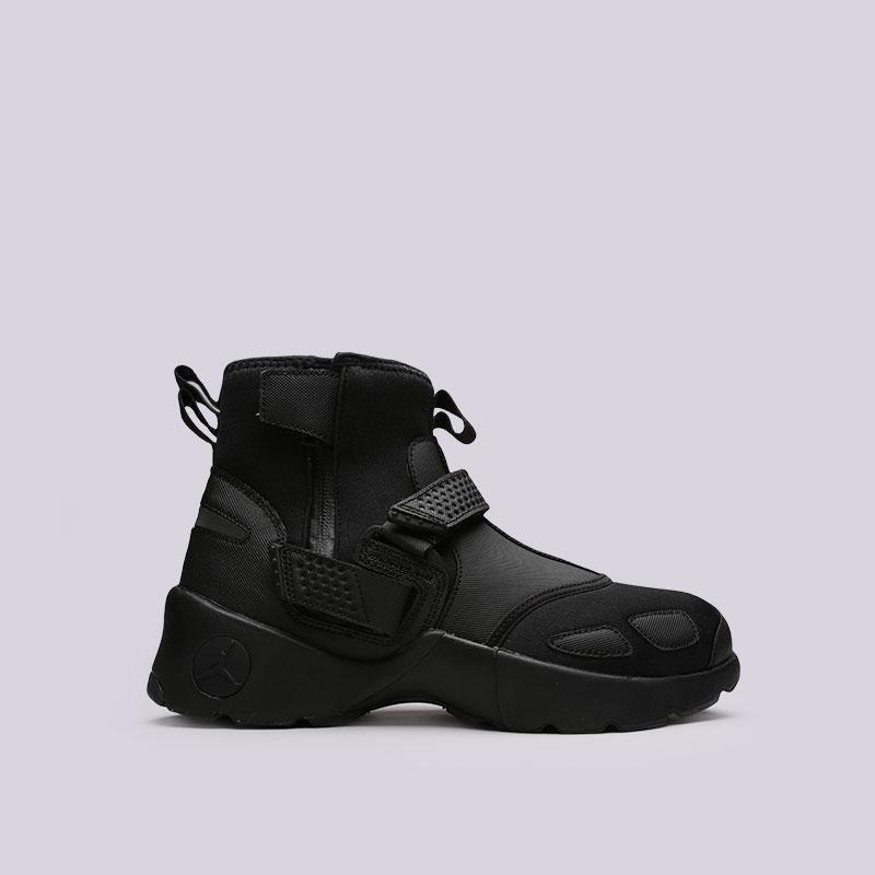 Кроссовки Jordan Trunner LX HighКроссовки lifestyle<br>Текстиль, синтетика, резина, пластик<br><br>Цвет: Черный<br>Размеры US: 8;8.5;9;9.5;11;11.5;12;13<br>Пол: Мужской