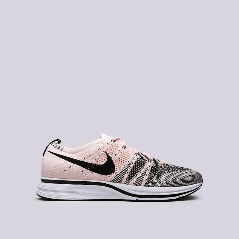 Кроссовки Nike Flyknit TrainerКроссовки lifestyle<br>Текстиль, резина, пластик<br><br>Цвет: Розовый<br>Размеры US: 7.5;8;8.5;9;9.5;10;10.5;11;11.5;12;13