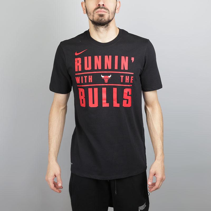 Футболка Nike Chicago Bulls DryФутболки<br>Хлопок, полиэстер<br><br>Цвет: Черный<br>Размеры US: S;M;L;XL;2XL<br>Пол: Мужской