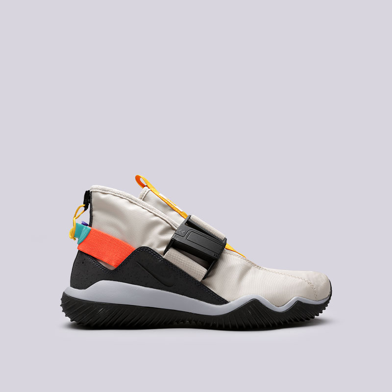 Кроссовки Nike Komyuter SEКроссовки lifestyle<br>Текстиль, резина<br><br>Цвет: Бежевый<br>Размеры US: 8;8.5;9;9.5;10;11;11.5;12<br>Пол: Мужской