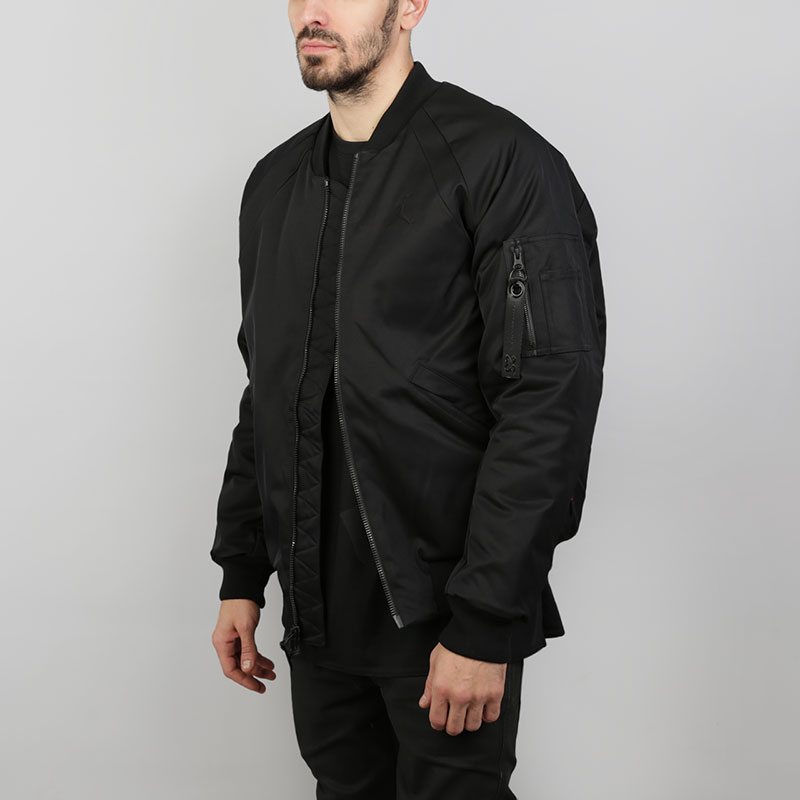 Куртка-бомбер Jordan Wings MA-1Куртки, пуховики<br>Полиэстер<br><br>Цвет: Черный<br>Размеры US: S;M;L<br>Пол: Мужской