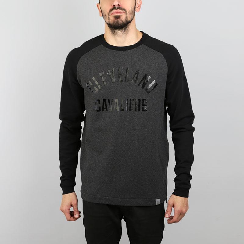 Толстовка Nike Cleveland Cavaliers Modern CrewТолстовки свитера<br>Хлопок, полиэстер<br><br>Цвет: Серый, черный<br>Размеры US: S;M;L;XL;2XL<br>Пол: Мужской
