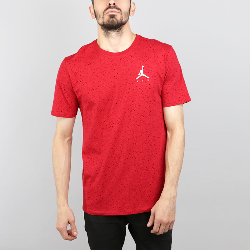 Футболка Jordan Speckle TeeФутболки<br>Хлопок<br><br>Цвет: Красный<br>Размеры US: S;M;L;XL;2XL<br>Пол: Мужской