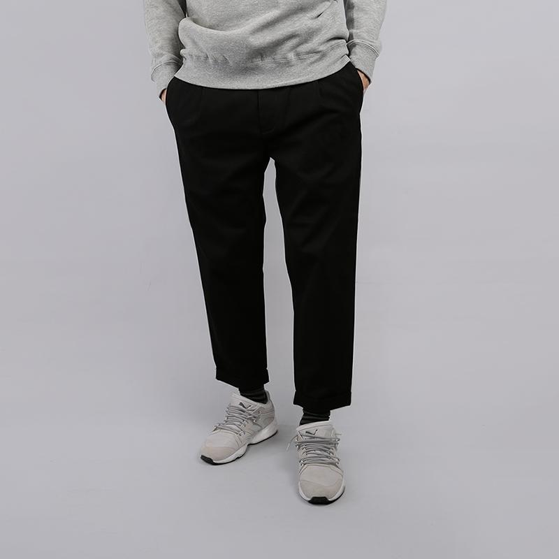 Брюки Carhartt WIP Taylor PantБрюки и джинсы<br>Хлопок<br><br>Цвет: Черный<br>Размеры : 34;36<br>Пол: Мужской