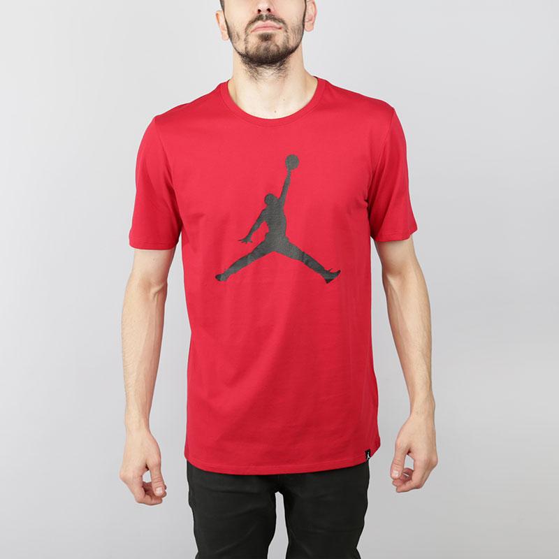 Футболка Jordan Iconic Jumpman T-shirtФутболки<br>Хлопок<br><br>Цвет: Красный<br>Размеры US: S;M;L;XL;2XL<br>Пол: Мужской