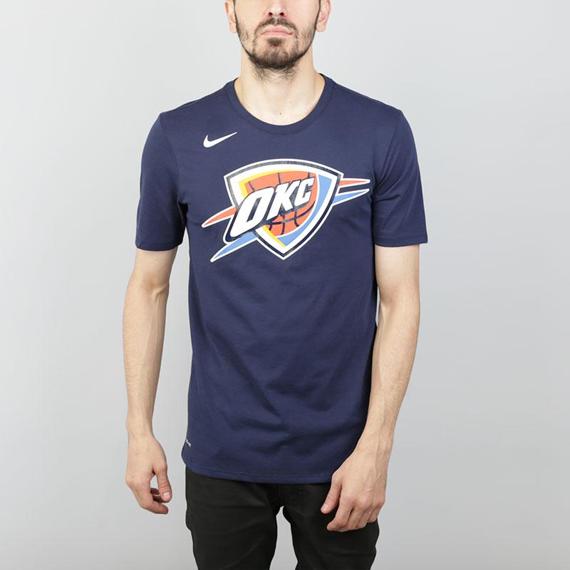 Футболка Nike NBA Oklahoma City Thunder Dri-Fit TeeФутболки<br>Хлопок, полиэстер<br><br>Цвет: Синий<br>Размеры US: S;M;L;XL;2XL<br>Пол: Мужской