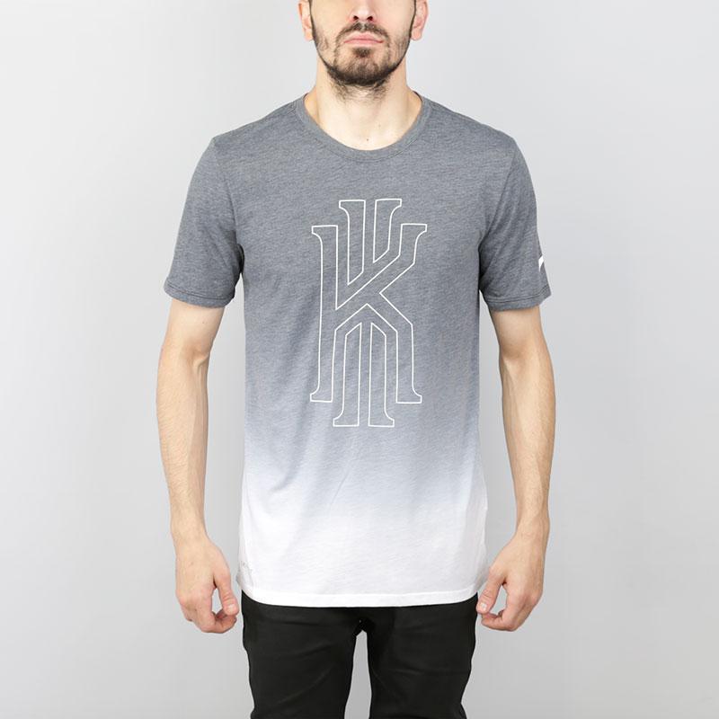 Футболка Nike Dry KyrieФутболки<br>Полиэстер, хлопок, вискоза<br><br>Цвет: Серый, белый<br>Размеры US: S;M;L;XL;2XL<br>Пол: Мужской