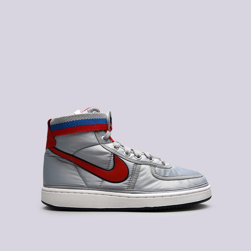 Кроссовки Nike Vandal High Supreme QSКроссовки lifestyle<br>Текстиль, резина<br><br>Цвет: Серый<br>Размеры US: 7.5;8;8.5;9;9.5;10;10.5;11.5<br>Пол: Мужской