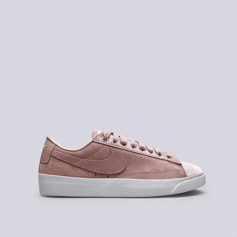 Кроссовки Nike WMNS Blazer Low LXКроссовки lifestyle<br>Кожа, текстиль, резина<br><br>Цвет: Розовый<br>Размеры US: 5;6;7;7.5;8.5;9;9.5;10<br>Пол: Женский
