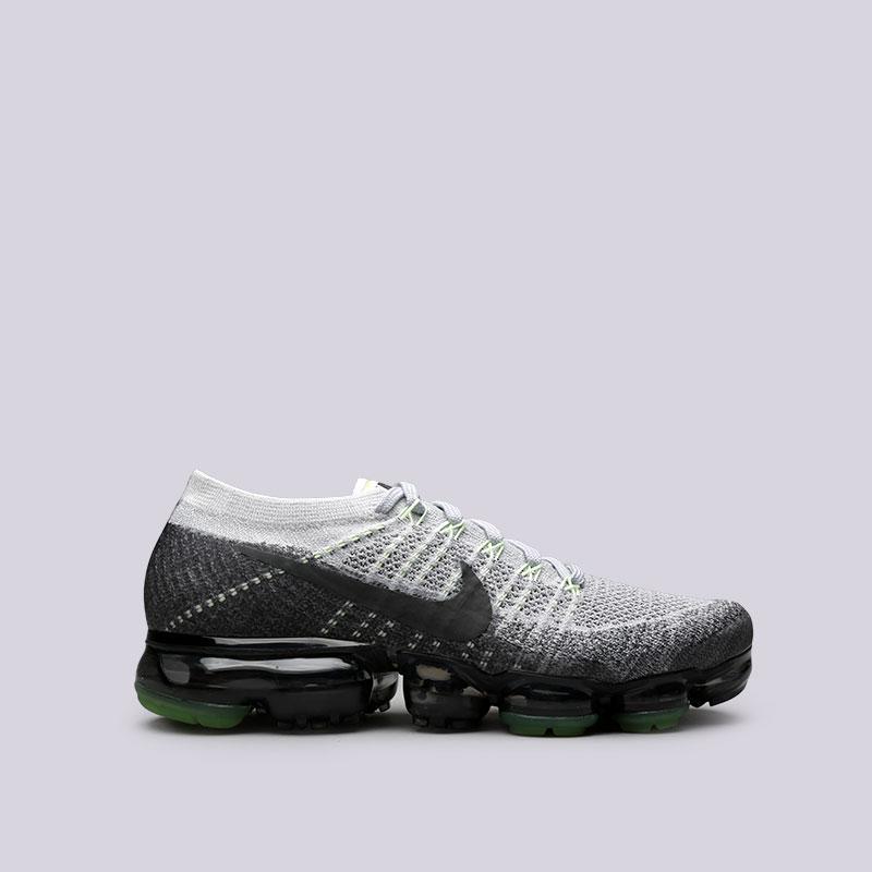 Кроссовки Nike Air Vapormax Flyknit EКроссовки lifestyle<br>Пластик, текстиль, резина<br><br>Цвет: Серый<br>Размеры US: 8;8.5;9;9.5;10;10.5<br>Пол: Мужской