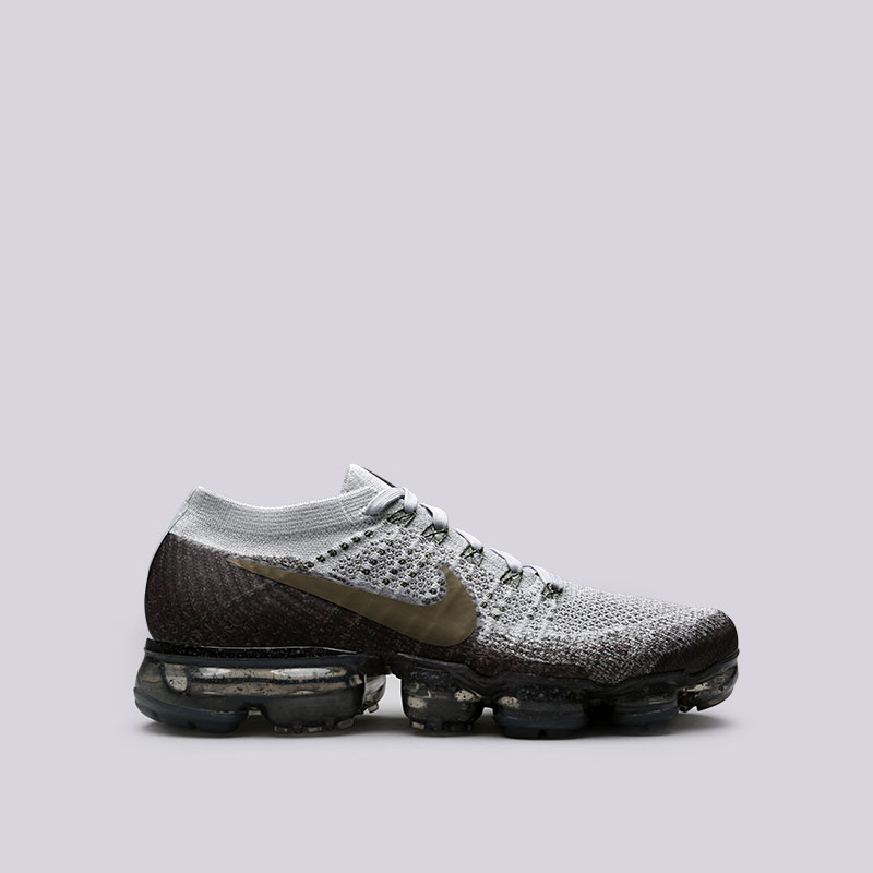 Кроссовки Nike NikeLab Air Vapormax FlyknitКроссовки lifestyle<br>Пластик, текстиль, резина<br><br>Цвет: Серый<br>Размеры US: 8;9;10;11<br>Пол: Мужской
