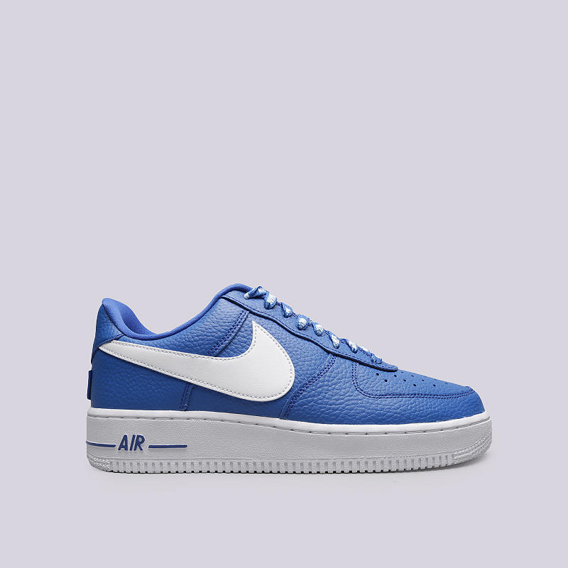 Кроссовки Nike Air Force 1 `07 LV8Кроссовки lifestyle<br>Кожа, текстиль, резина<br><br>Цвет: Синий<br>Размеры US: 8;8.5;9;9.5;10;10.5;11;11.5;12;12.5;13;14<br>Пол: Мужской