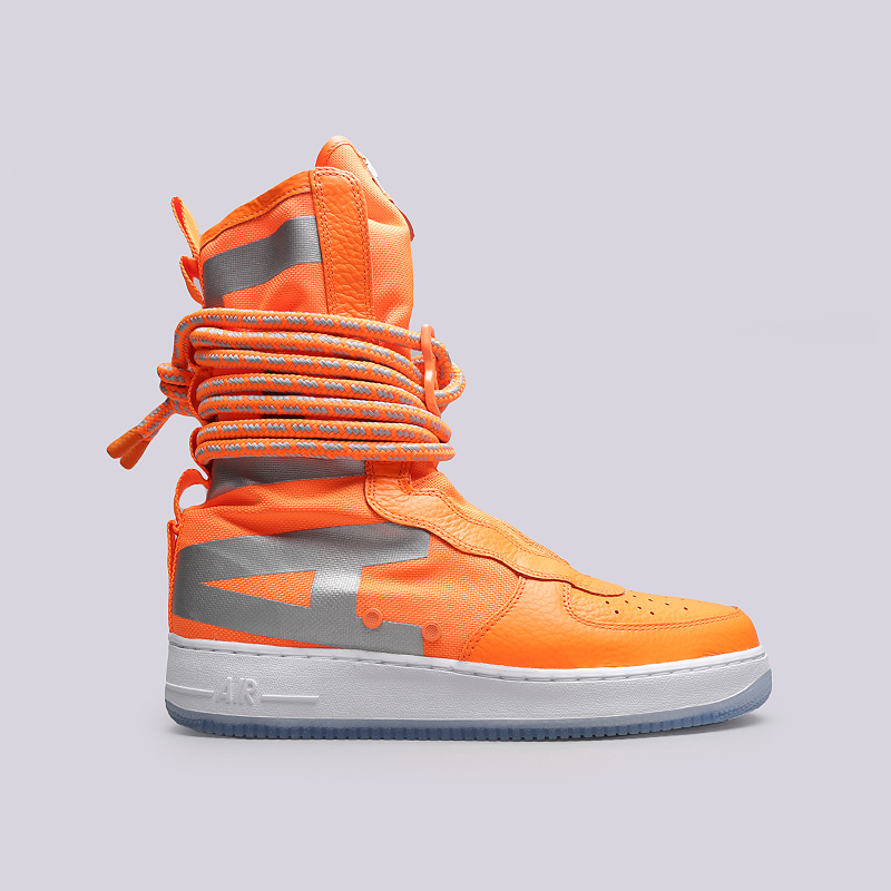 Кроссовки Nike SF Air Force 1 HiКроссовки lifestyle<br>Кожа, текстиль, резина<br><br>Цвет: Оранжевый<br>Размеры US: 8.5;11<br>Пол: Мужской