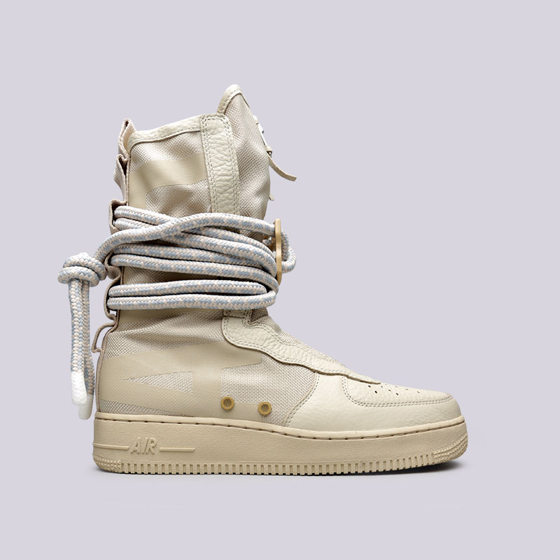 Кроссовки Nike SF Air Force 1 HiКроссовки lifestyle<br>Текстиль, кожа, резина<br><br>Цвет: Бежевый<br>Размеры US: 7;10;12<br>Пол: Мужской