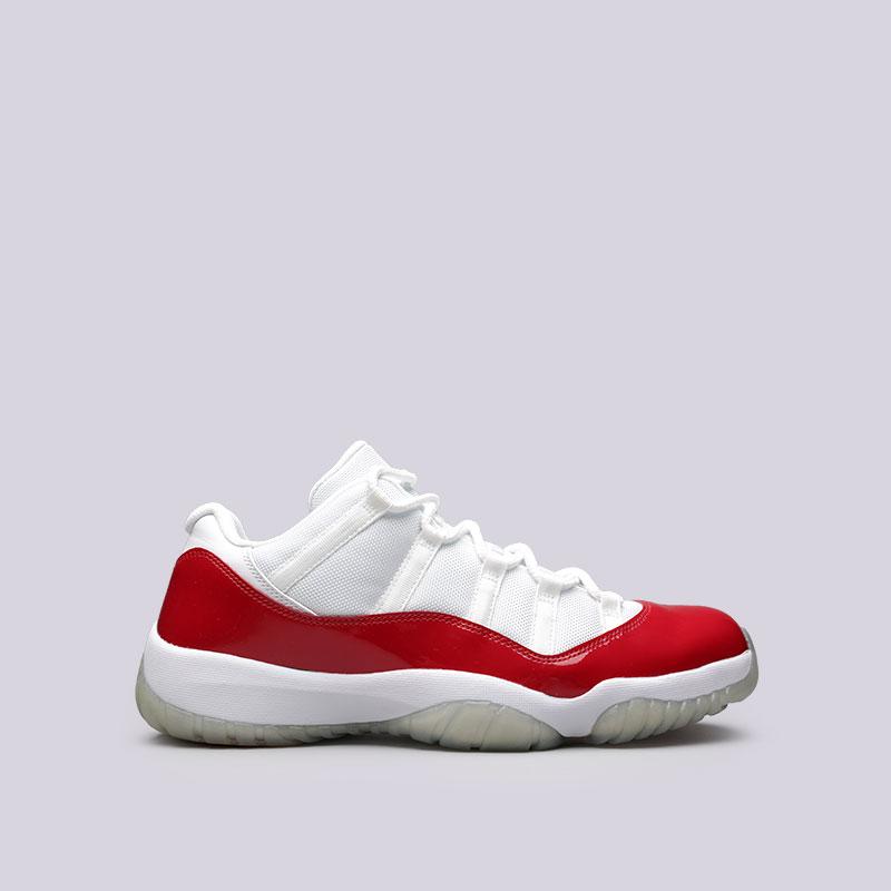 Кроссовки Jordan XI Retro LowКроссовки lifestyle<br>Кожа, текстиль, резина<br><br>Цвет: Белый, красный<br>Размеры US: 13;14<br>Пол: Мужской