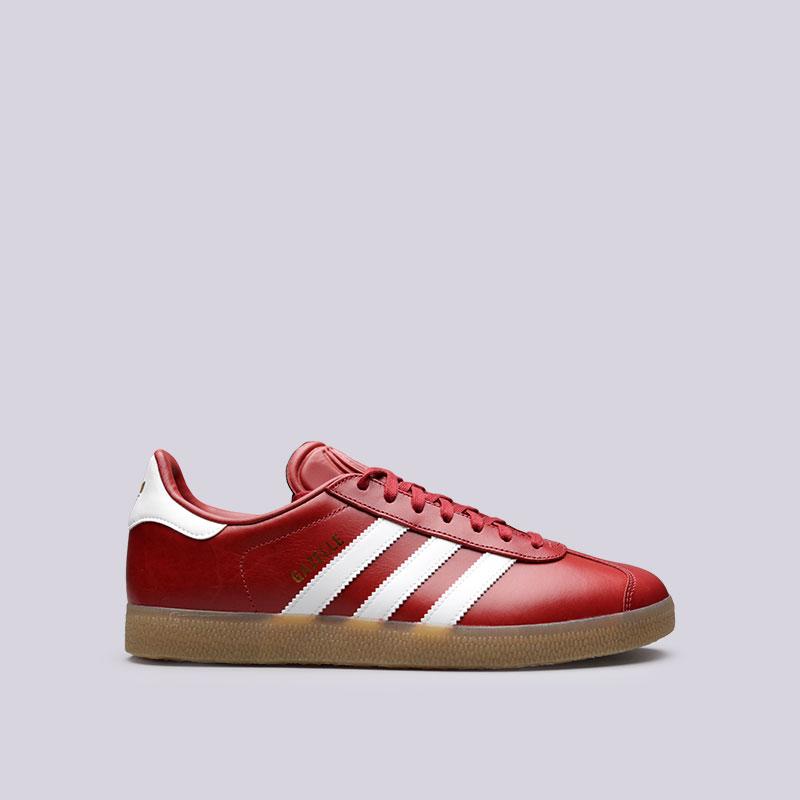 Кроссовки adidas GazelleКроссовки lifestyle<br>Кожа, синтетика, текстиль, резина<br><br>Цвет: Красный<br>Размеры UK: 7.5;8;8.5;9;9.5;10;10.5;11;11.5<br>Пол: Мужской
