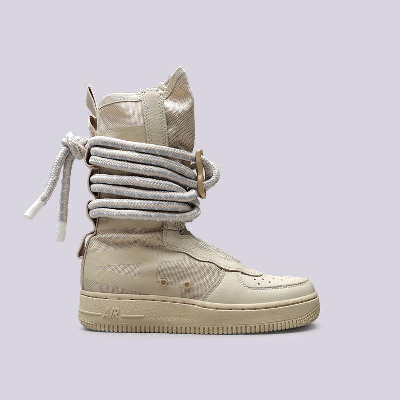 Кроссовки Nike WMNS SF Air Force 1 HiКроссовки lifestyle<br>Текстиль, кожа, резина<br><br>Цвет: Бежевый<br>Размеры US: 6.5;7<br>Пол: Женский