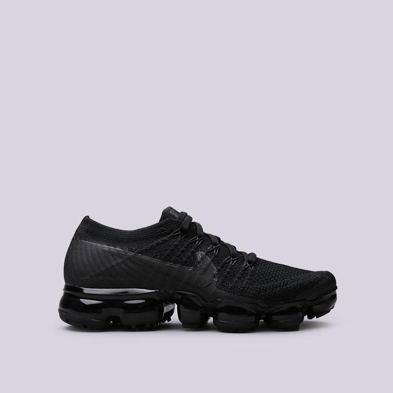Кроссовки Nike WMNS Air Vapormax FlyknitКроссовки lifestyle<br>Пластик, текстиль, резина<br><br>Цвет: Черный<br>Размеры US: 6.5;7;7.5;8;8.5;9<br>Пол: Женский