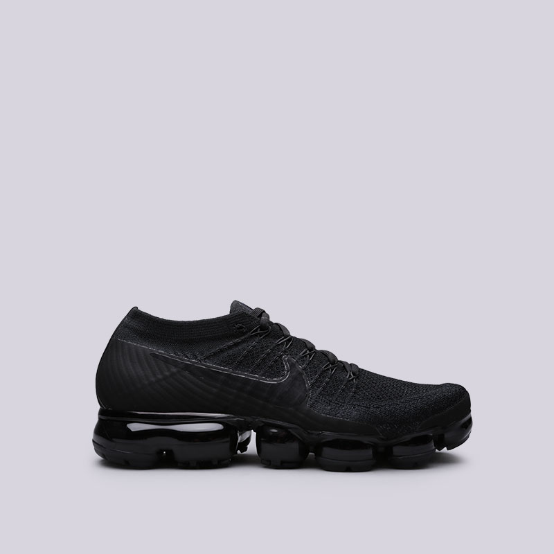 Кроссовки Nike Air Vapormax FlyknitКроссовки lifestyle<br>Пластик, текстиль, резина<br><br>Цвет: Черный<br>Размеры US: 9<br>Пол: Мужской
