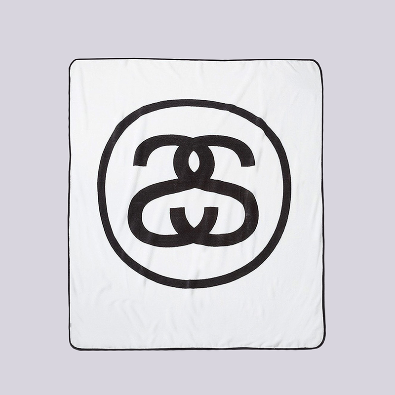 Плед Stussy SS-Link Fleece BlanketДругое<br>100% полиэстер<br><br>Цвет: Белый, черный<br>Размеры US: OS