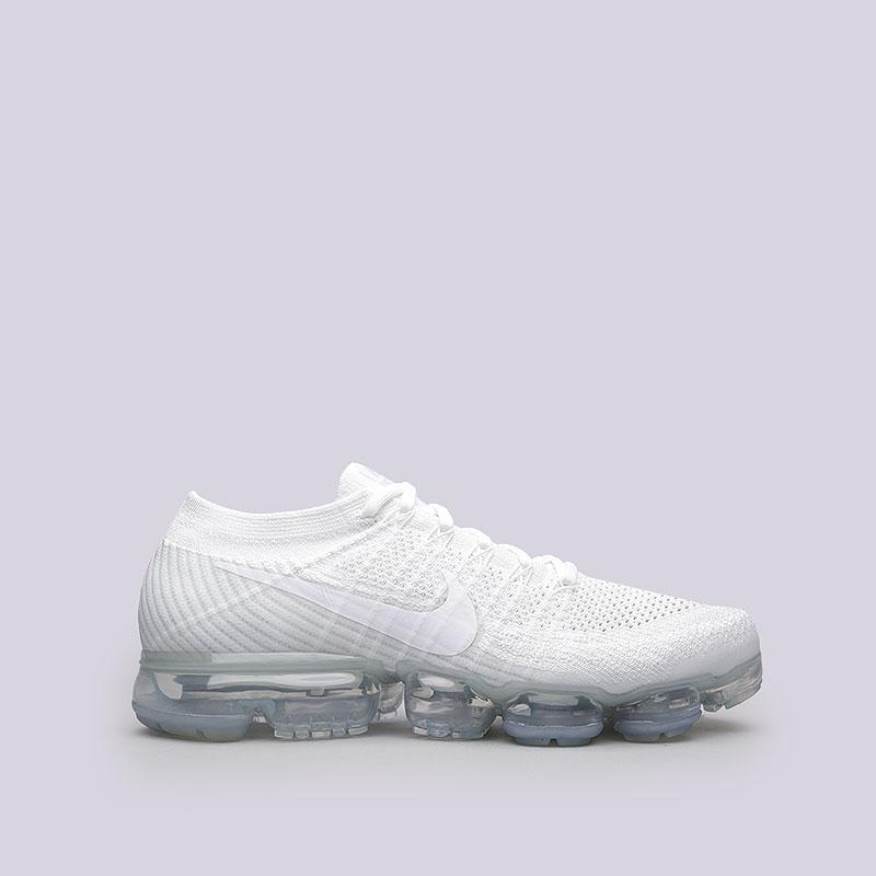 Кроссовки Nike Air VaporMax FlyknitКроссовки lifestyle<br>Текстиль, резина, пластик<br><br>Цвет: Белый<br>Размеры US: 8;9;10;10.5;11;11.5<br>Пол: Мужской