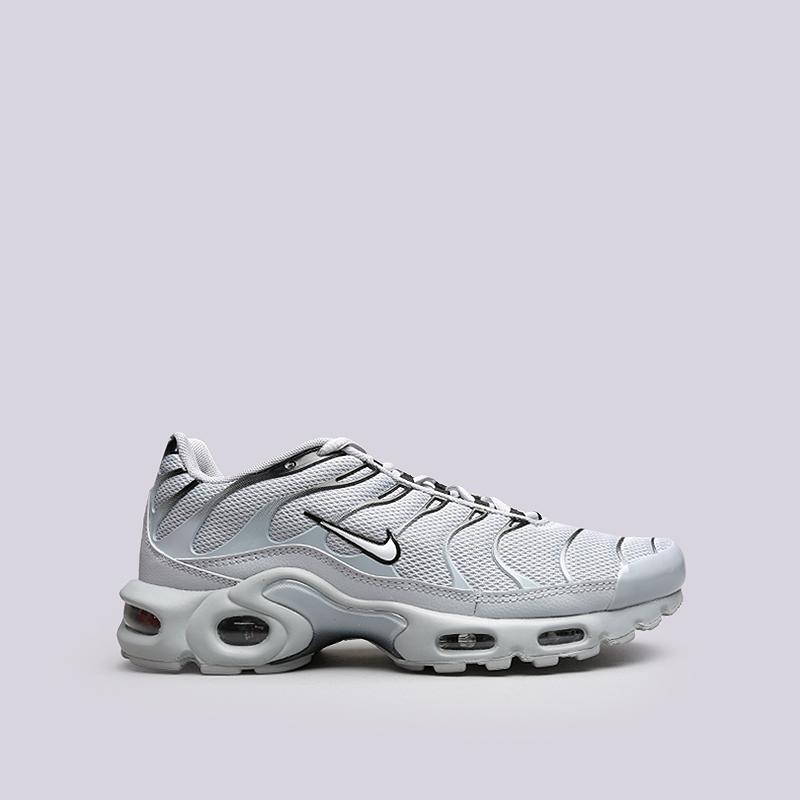 Кроссовки Nike Air Max PlusКроссовки lifestyle<br>Текстиль, резина<br><br>Цвет: Серый<br>Размеры US: 8;8.5;9;9.5;10;10.5;11;11.5;12<br>Пол: Мужской