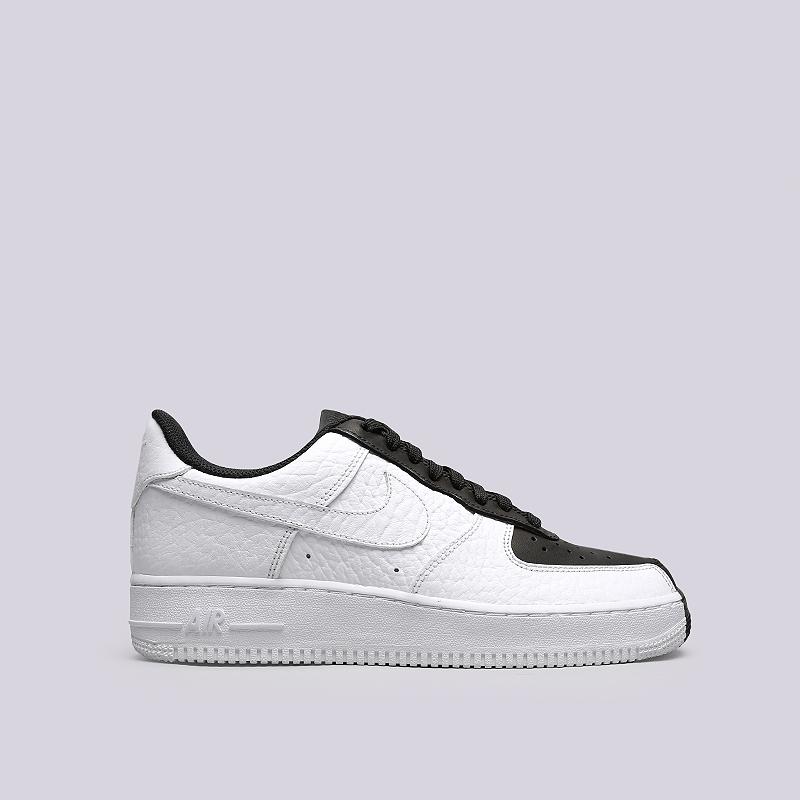 Кроссовки Nike Air Force 1 `07 PRMКроссовки lifestyle<br>Кожа, текстиль, резина<br><br>Цвет: Черный, белый<br>Размеры US: 8.5;9.5;10;10.5;11;11.5;12<br>Пол: Мужской