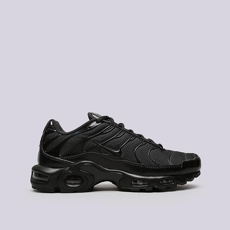 Кроссовки Nike Air Max PlusКроссовки lifestyle<br>Текстиль, резина<br><br>Цвет: Черный<br>Размеры US: 10.5;8.5;11;12;8<br>Пол: Мужской