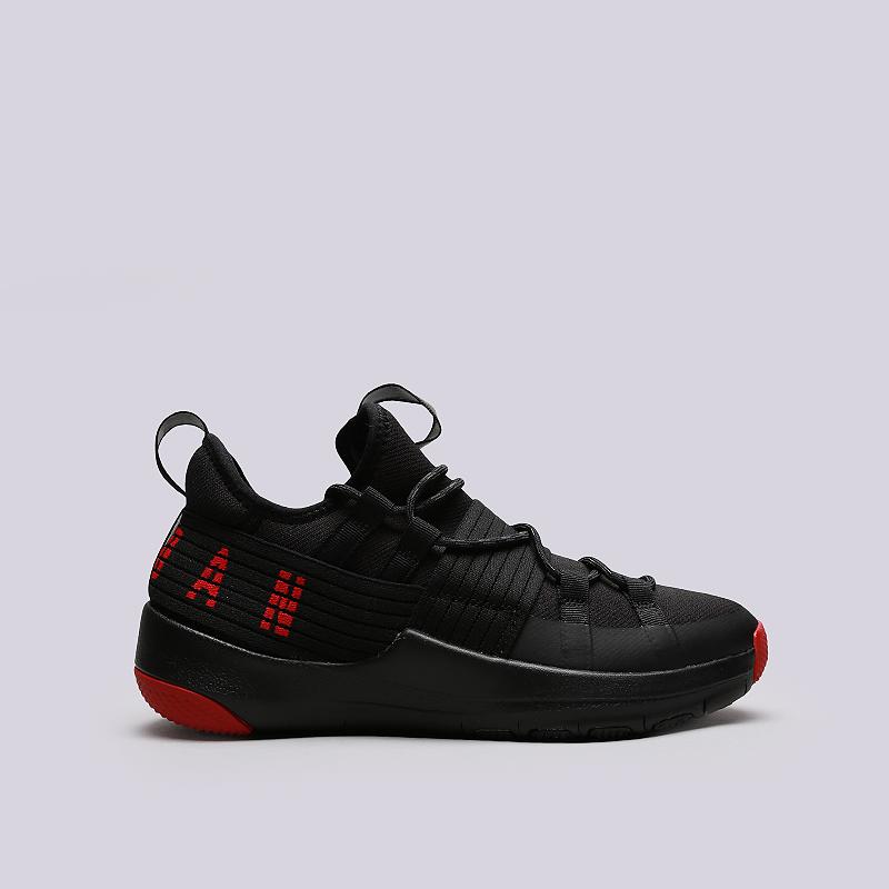 Кроссовки Jordan Trainer ProКроссовки lifestyle<br>Текстиль, резина, пластик<br><br>Цвет: Черный<br>Размеры US: 8;8.5;9;9.5;11;12.5;13;15<br>Пол: Мужской
