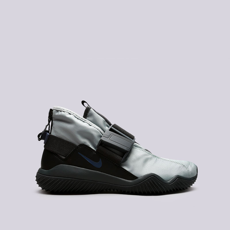 Кроссовки Nike KomyuterКроссовки lifestyle<br>Текстиль, синтетика, резина<br><br>Цвет: Голубой, чёрный<br>Размеры US: 8;8.5;9;9.5;10;10.5;11;11.5<br>Пол: Мужской