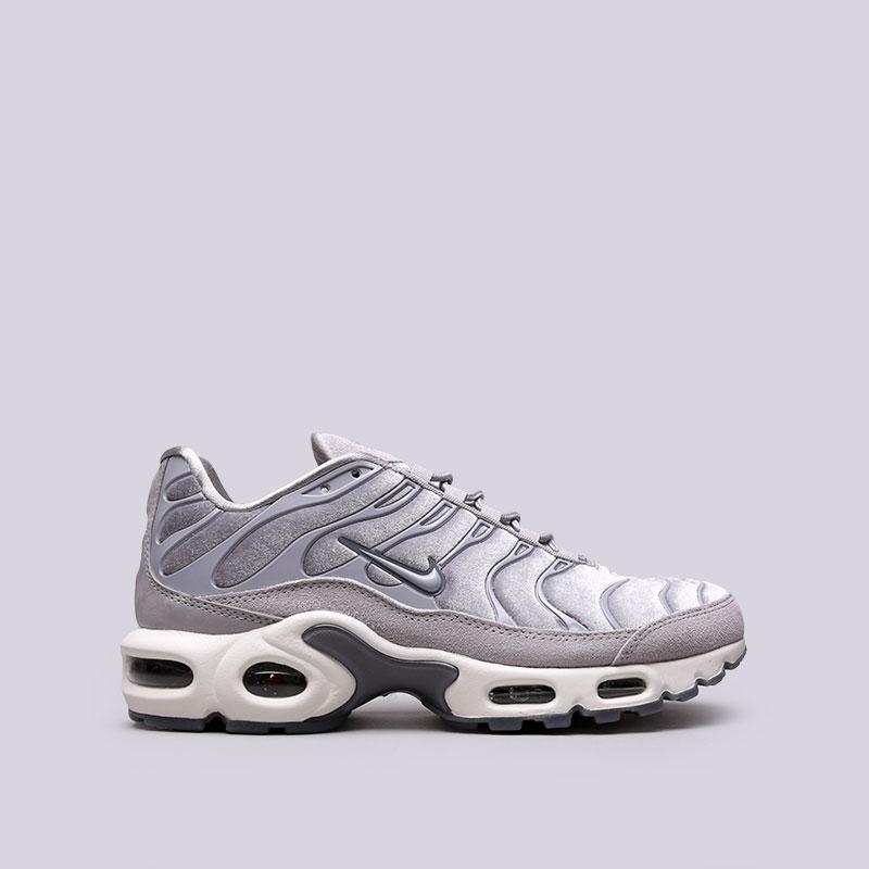 Кроссовки Nike WMNS Air Max Plus LXКроссовки lifestyle<br>Текстиль, резина<br><br>Цвет: Серый<br>Размеры US: 6;6.5;7;7.5;8;8.5<br>Пол: Женский
