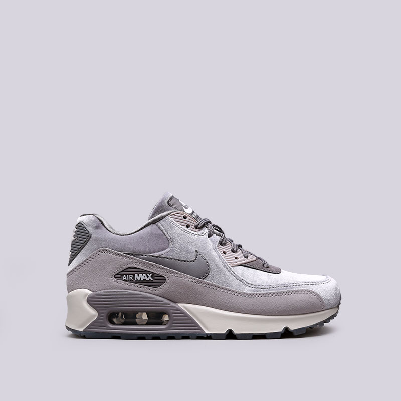 Кроссовки Nike WMNS Air Max 90 LXКроссовки lifestyle<br>Текстиль, кожа, резина<br><br>Цвет: Серый<br>Размеры US: 6;6.5;7;7.5;8;8.5<br>Пол: Женский