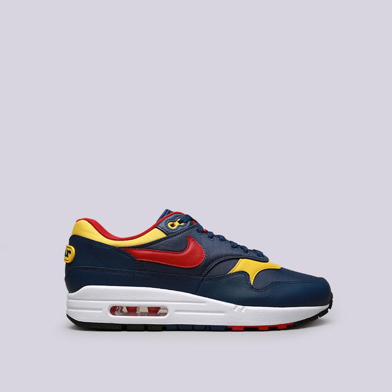Кроссовки Nike Air Max 1 PremiumКроссовки lifestyle<br>Кожа, текстиль, резина<br><br>Цвет: Синий<br>Размеры US: 8;8.5;9;9.5;10;10.5;11;11.5;12<br>Пол: Мужской