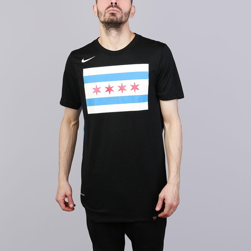 Футболка Nike Chicago Bulls City EditionФутболки<br>Полиэстер, хлопок, вискоза<br><br>Цвет: Черный<br>Размеры US: S;M;L;2XL<br>Пол: Мужской