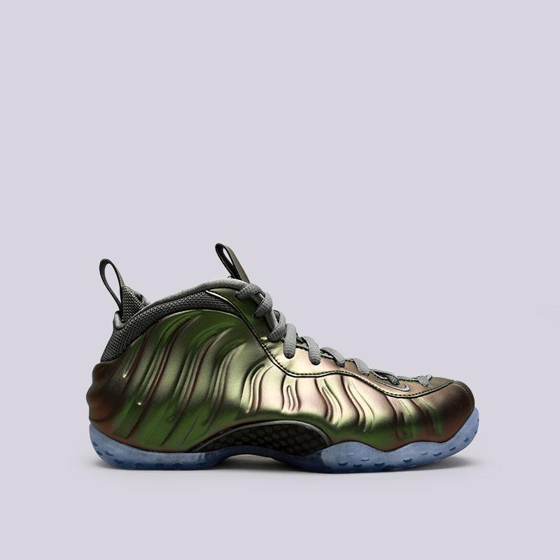 Кроссовки Nike WMNS Air Foamposite OneКроссовки lifestyle<br>Синтетика, текстиль, резина<br><br>Цвет: Зелёный<br>Размеры US: 7.5;8;8.5<br>Пол: Женский