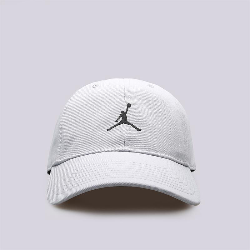 Кепка Jordan Jumpman H86Кепки<br>Хлопок, полиэстер<br><br>Цвет: Серый<br>Размеры US: OS